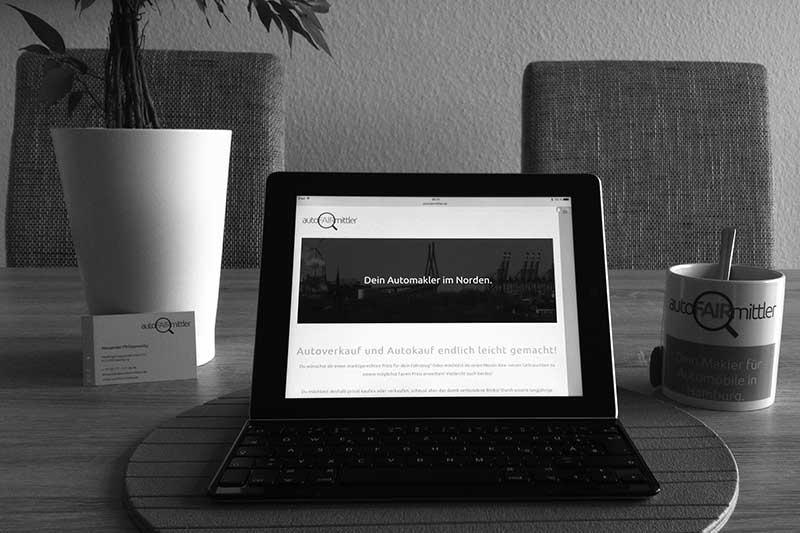 autoFAIRmittler Suchauftrag Altes Land Laptop iPad Tasse Tisch